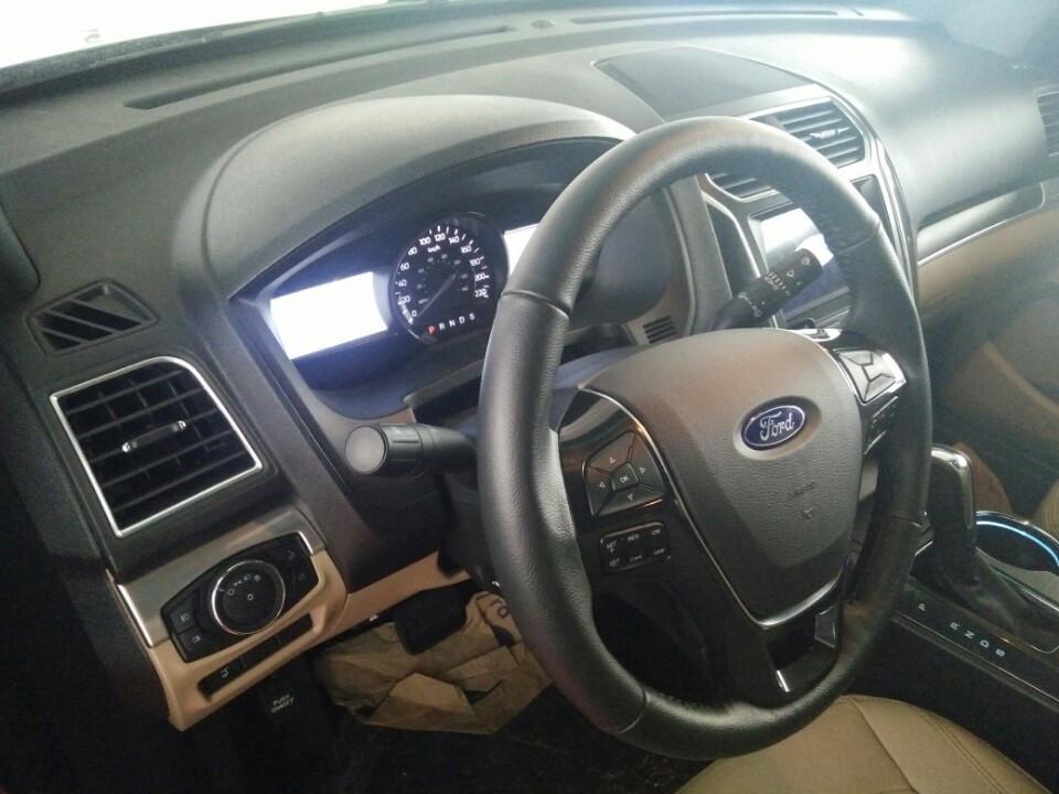 giá ford explorer